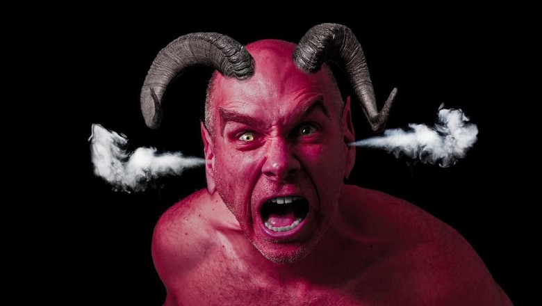 Benarkah Belajar Tanpa Guru Maka Gurunya Adalah Setan?