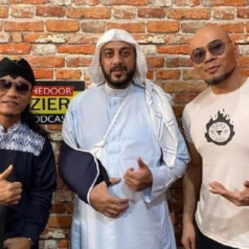 Mengenang Pesan Menyejukkan Syekh Ali Jaber Ketika Ditusuk Orang Tak Dikenal